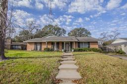 2100 wooded acres dr, waco, TX 76710