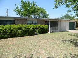 2305 oxford circle, san angelo, TX 76904