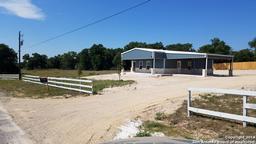 124 Lakeview Circle, La Vernia TX 78121