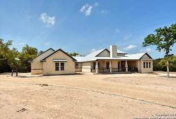 2318 geneseo oaks, new braunfels, TX 78132