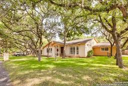 985 fredericksburg rd, new braunfels, TX 78130