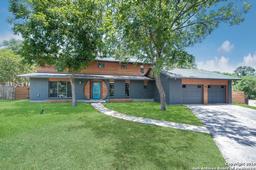 89 Bluet Ln, Castle Hills TX 78213