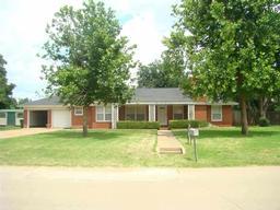 615 n wall street, iowa park, TX 76367