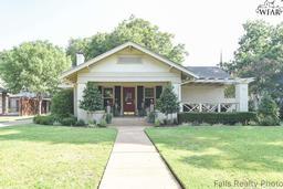 2202 avondale street, wichita falls, TX 76308