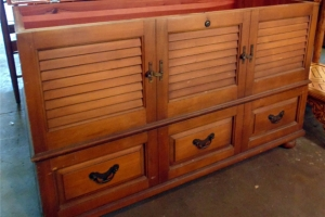 Vintage Lane Cedar Chest w/ Bottom Drawer