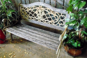 Vintage Iron & Wood Yard / Park Bench