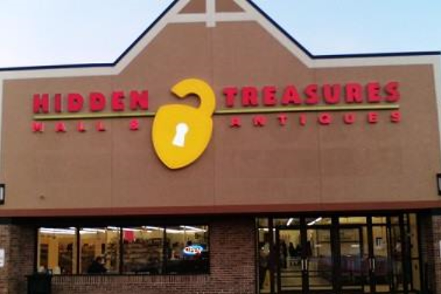 Hidden Treasures Mall Amp Antiques In Loves Park Il
