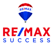Remax success vert no lines