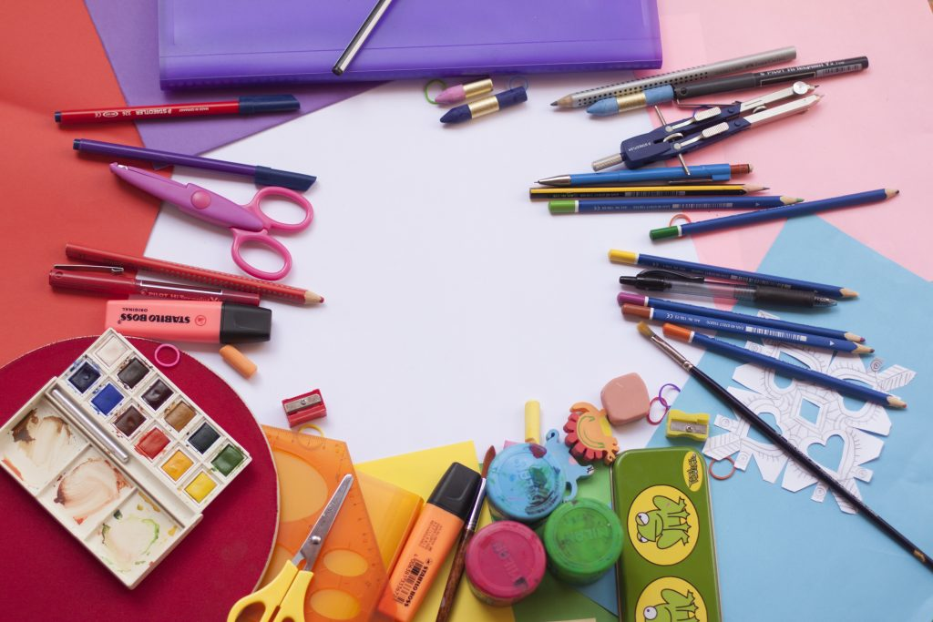 (Last minute) Back-to-school shopping fun on a budget!
