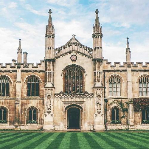 44 Castles of the Home Counties