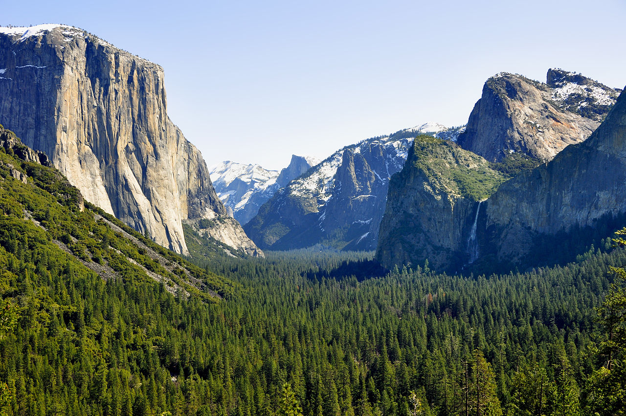 1280px-1_yosemite_valley_tunnel_view_2010