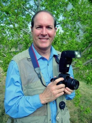 Ron_stern_with_his_camera