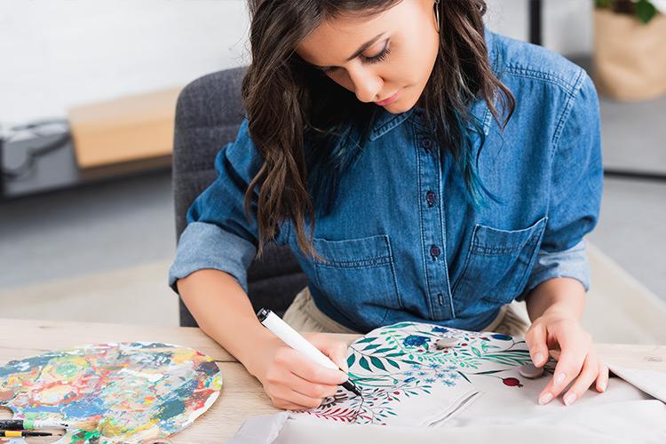 Art Jobs Perfect for Fine Arts Majors thumbnail image