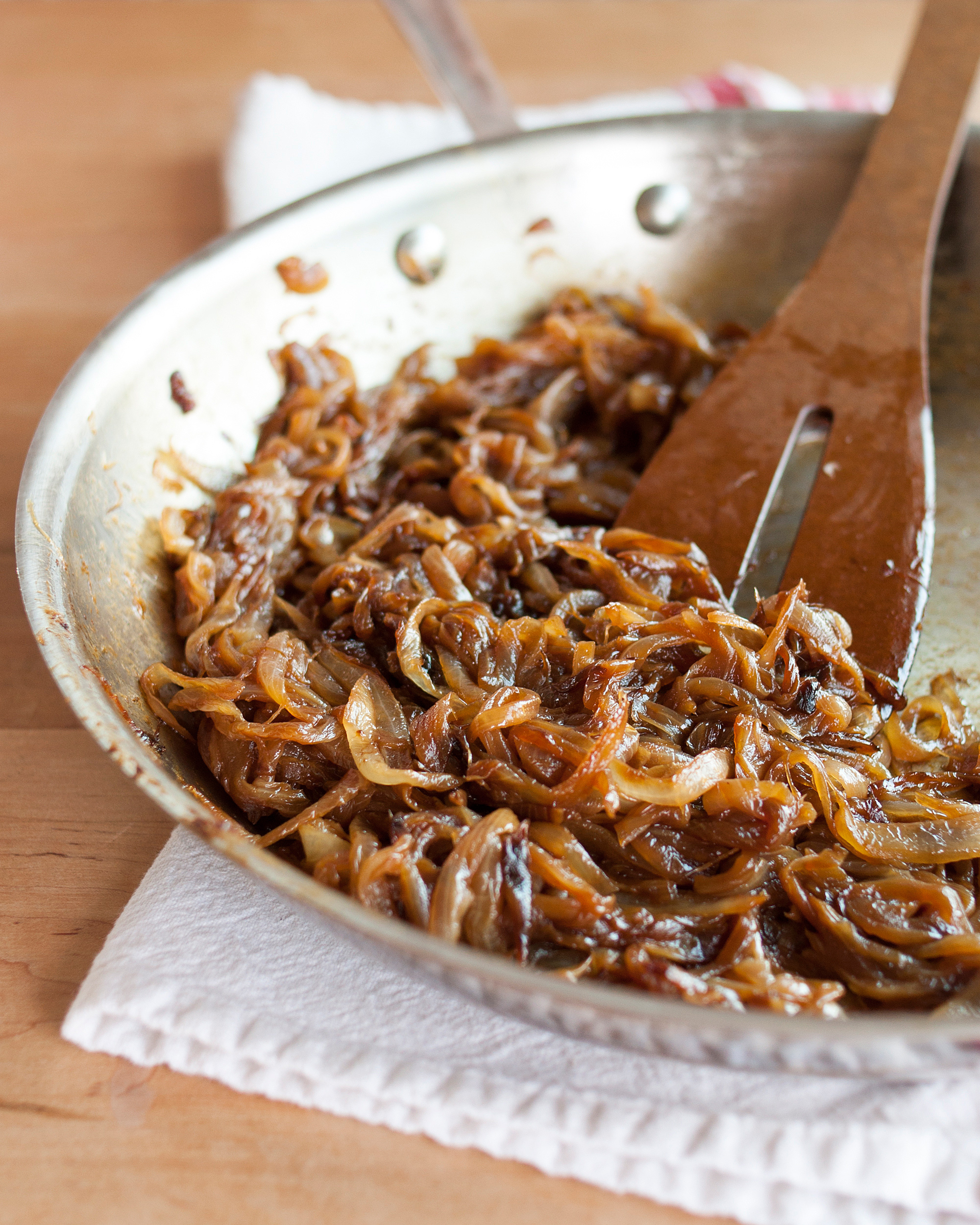 Quick way to make caramelized onions