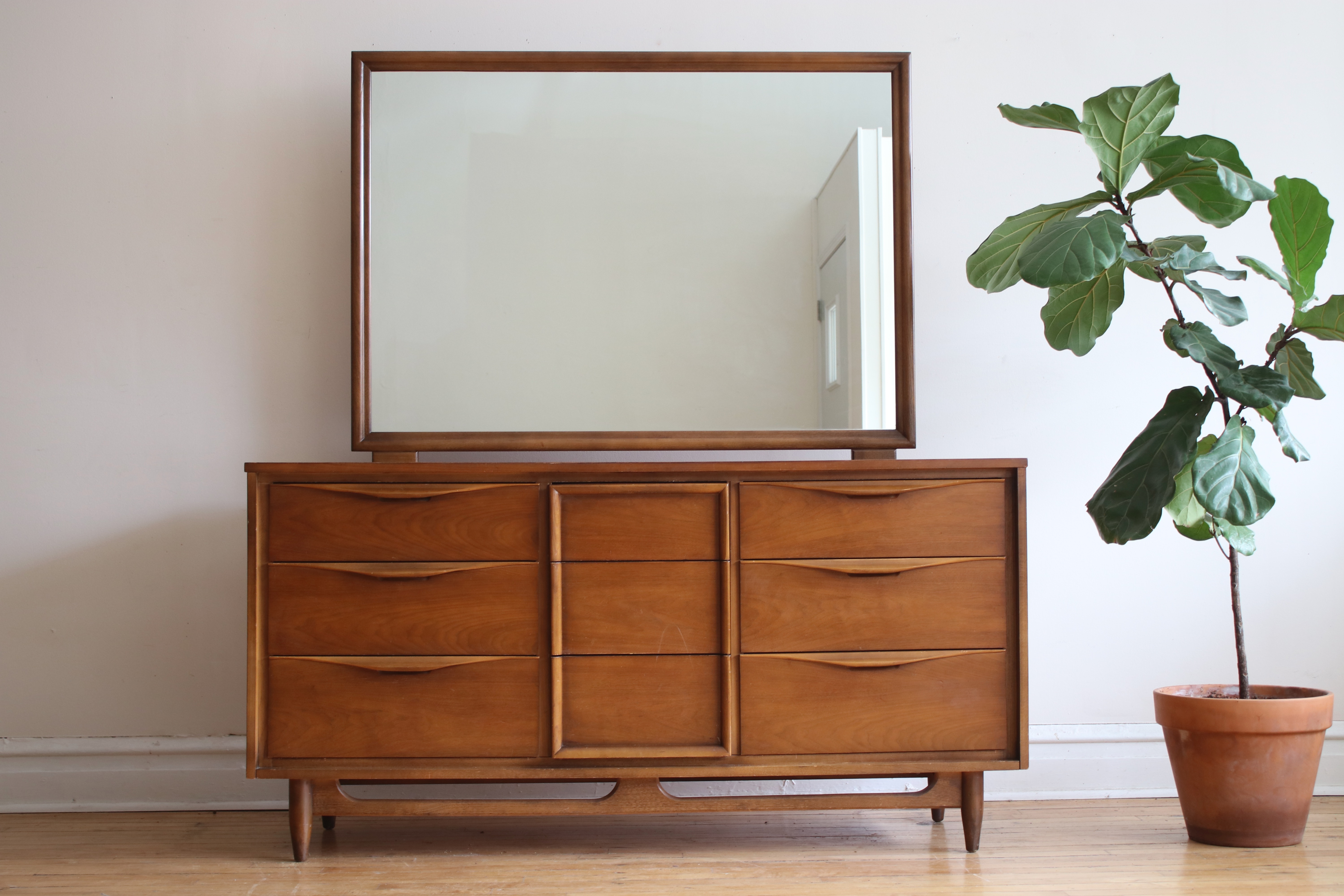 Image of: Mid Century Modern Huntley Dresser And Mirror Apartment Therapy S Bazaar