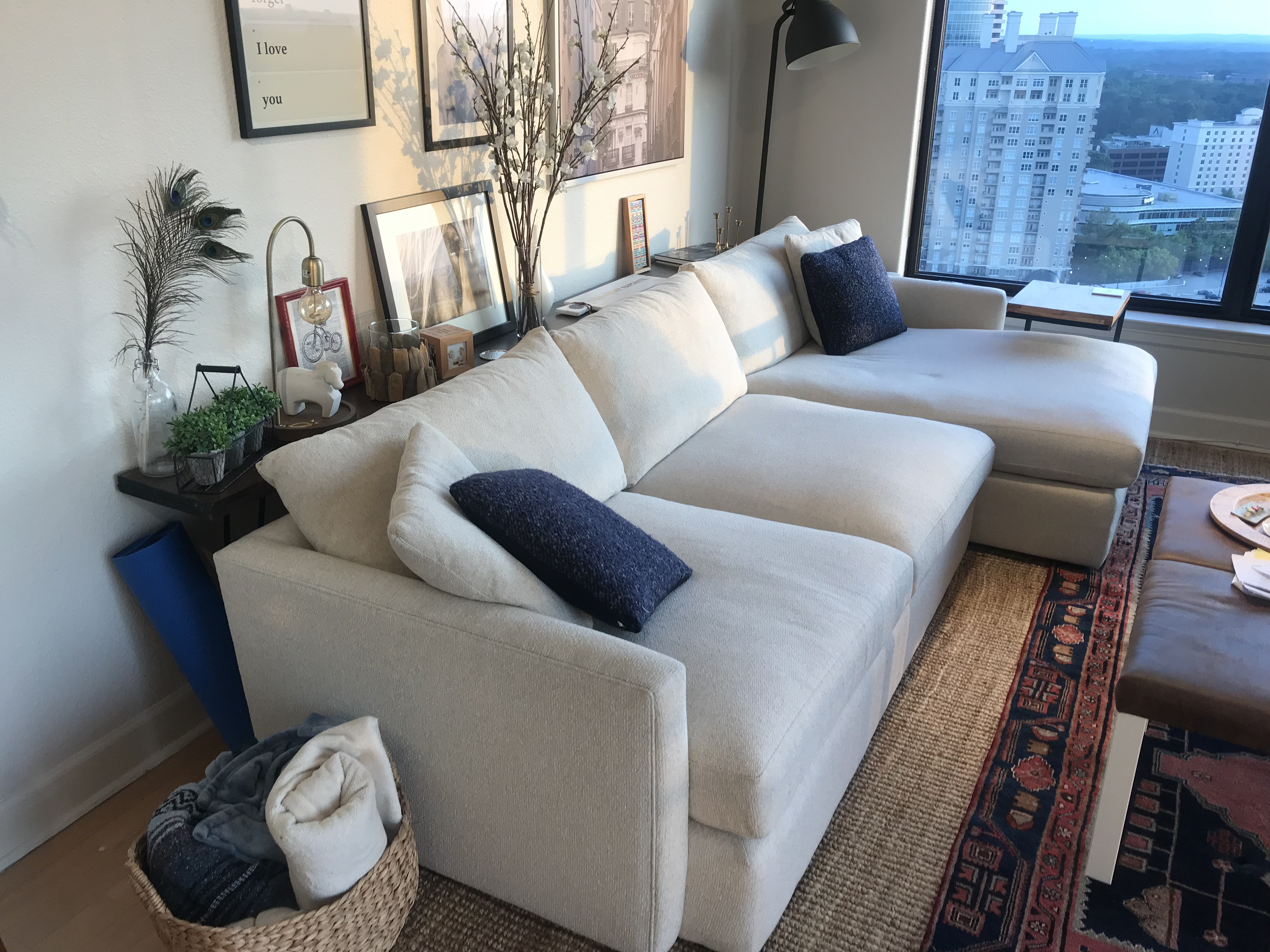 Crate & Barrel Sectional Couch Lounge 2 in Pearl