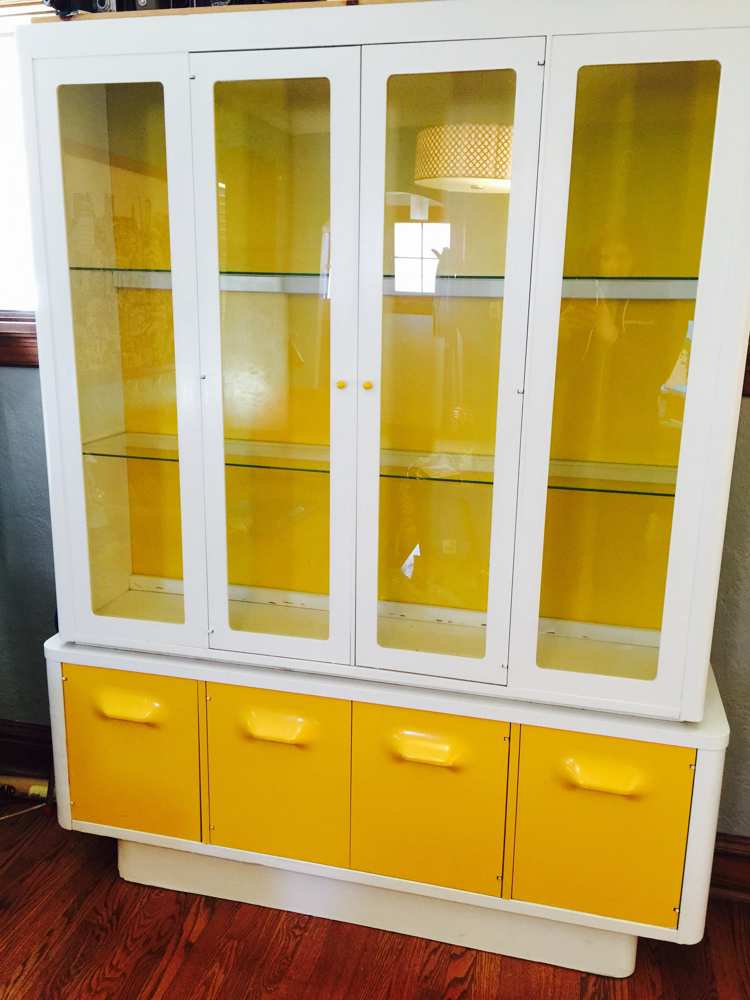 Rare, 1970u0027s Broyhill China Cabinet   Apartment Therapy Marketplace  Classifieds