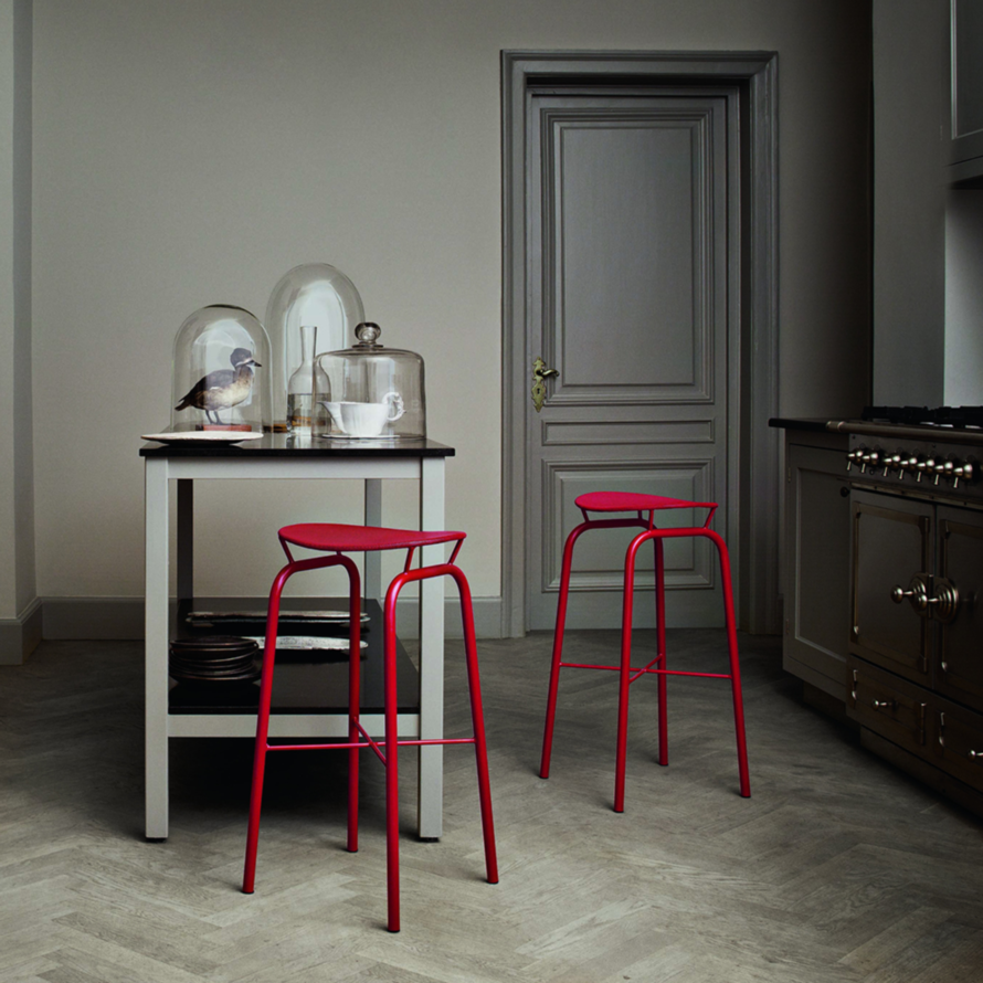 Sensational Best Bar Stools Counter Stools 2012 Apartment Therapy Alphanode Cool Chair Designs And Ideas Alphanodeonline