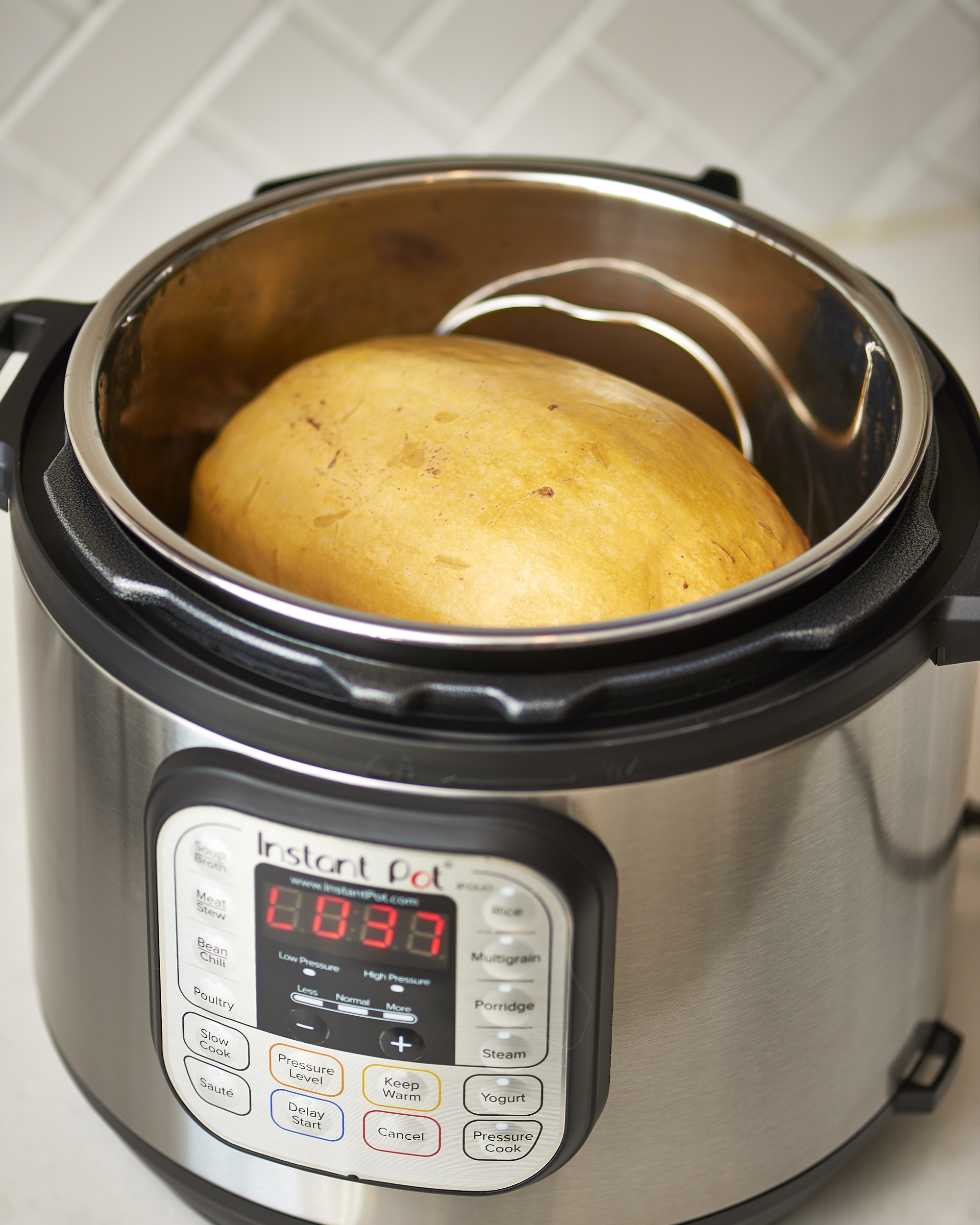 How To Cook Spaghetti Squash in an Instant Pot