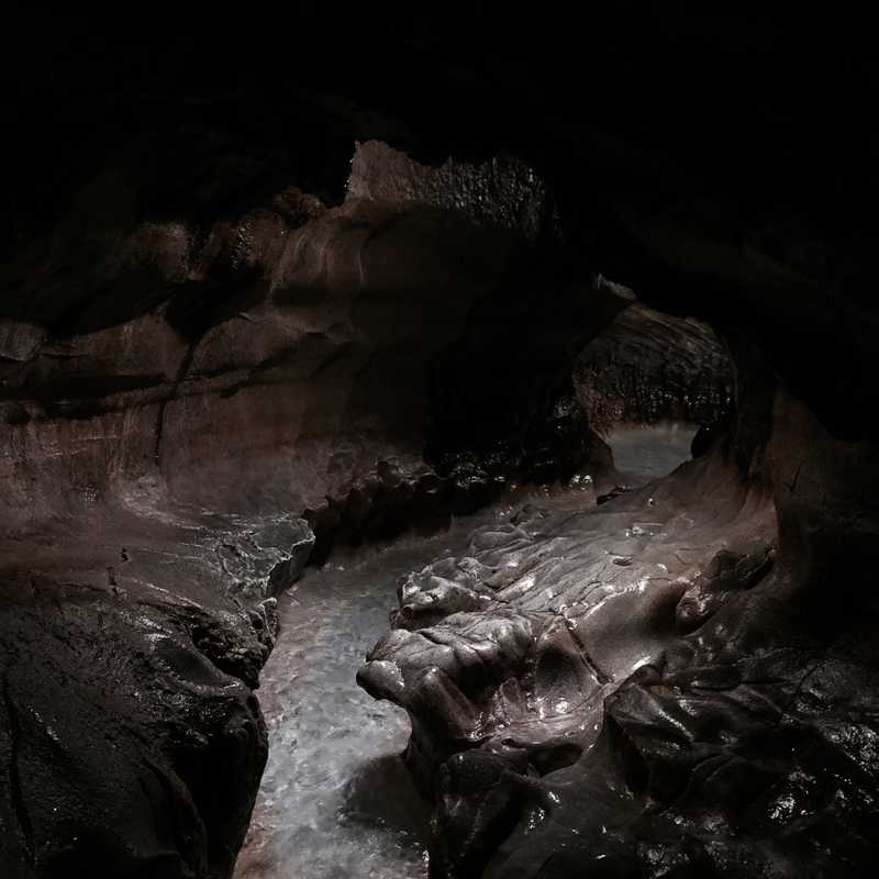 Senbutsu Stalactite Cave