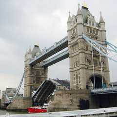 London Bridge | POPULAR Trips, Photos, Ratings & Practical Information