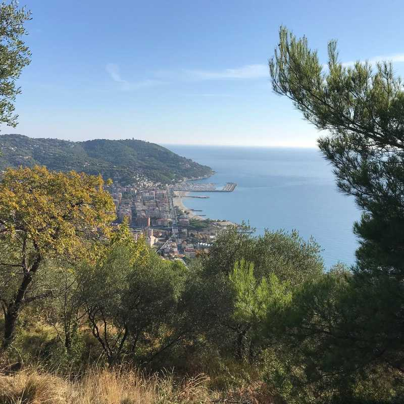 Trip Blog Post by @neneontheroad: Andora-Rollo, Italy 🇮🇹 2021 | 3 days in Oct (itinerary, map & gallery)