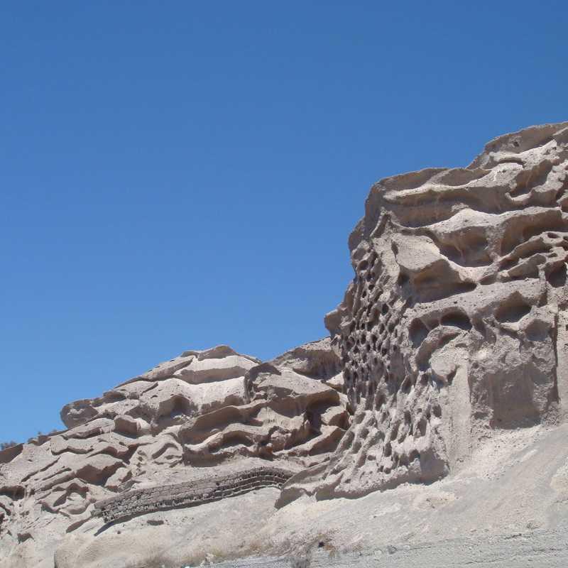 Santorini - Hoptale's Destination Guide