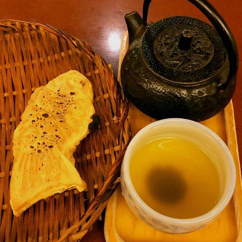 Snack at Naniwaya Sohonten