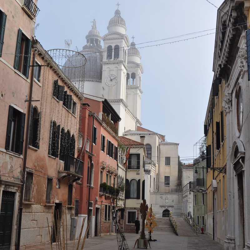 Place / Tourist Attraction: Santa Maria della Salute (Venice, Italy)