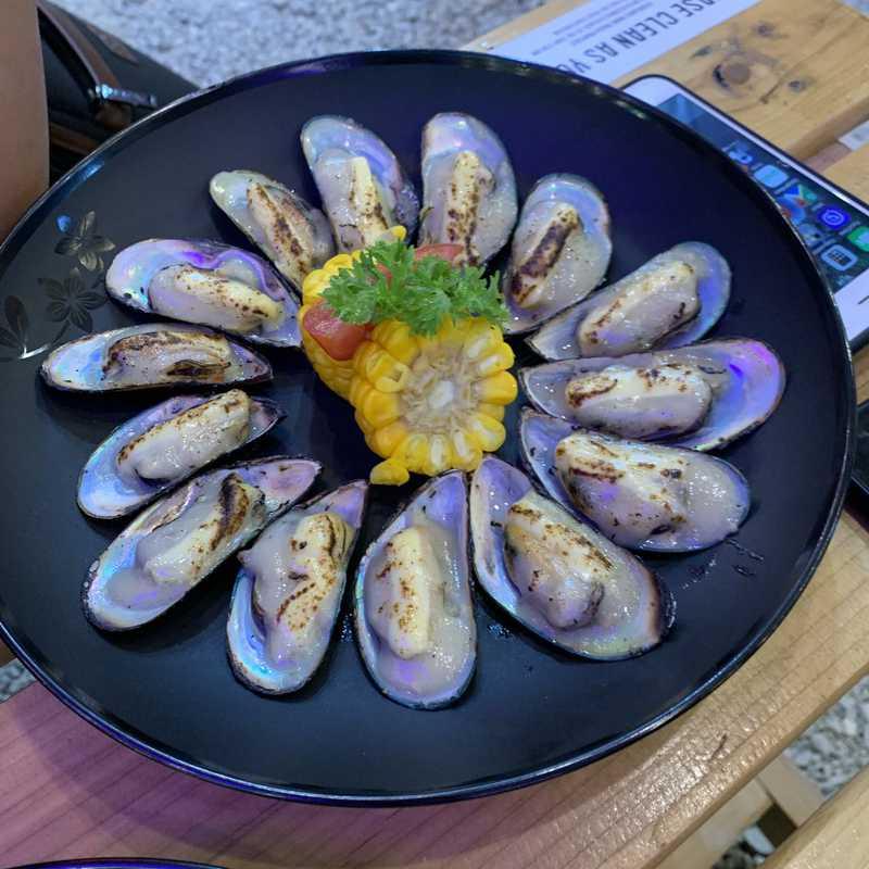 Isla Mercato Food Market & Bazaar