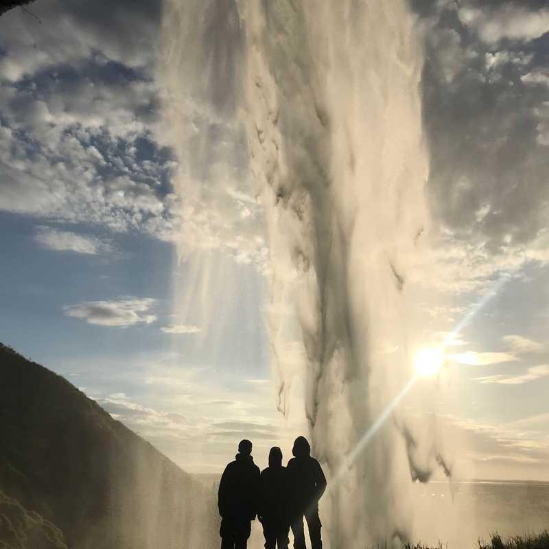 Seljalandsfoss - Waterfall