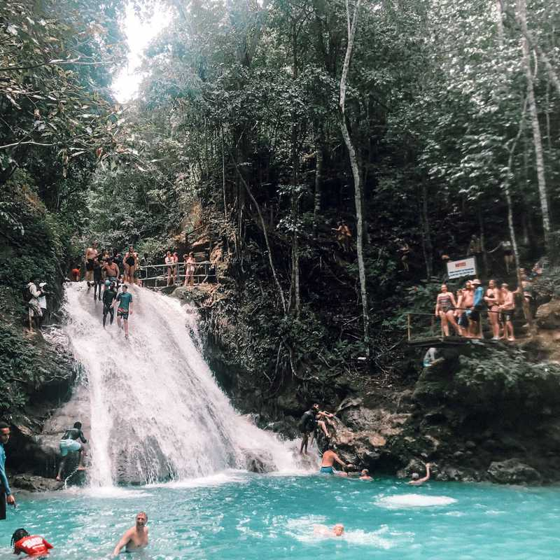 Blue Hole Mineral Spring | Jamaica