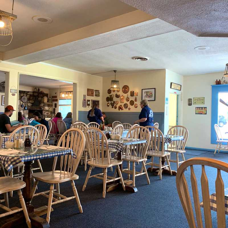 Carla's Country Kitchen And Gift Shop