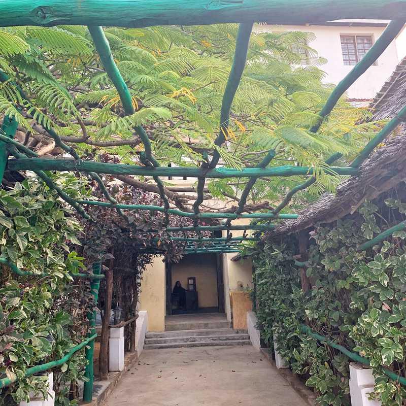 Mwana Arafa Restaurant Gardens
