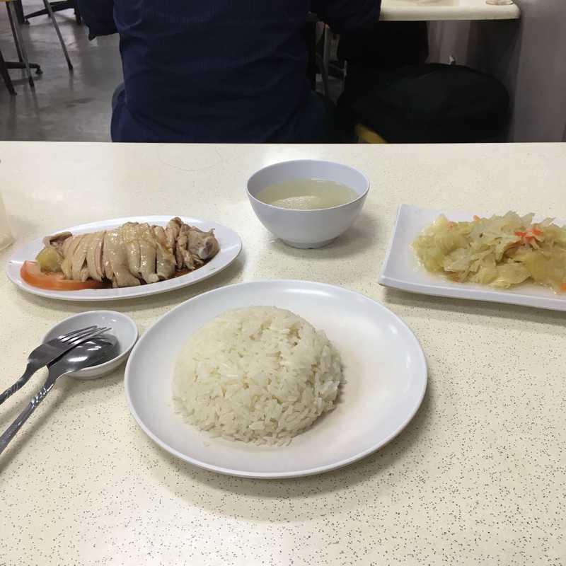 中峇魯海南起骨雞飯
