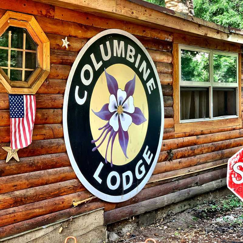 Columbine Lodge