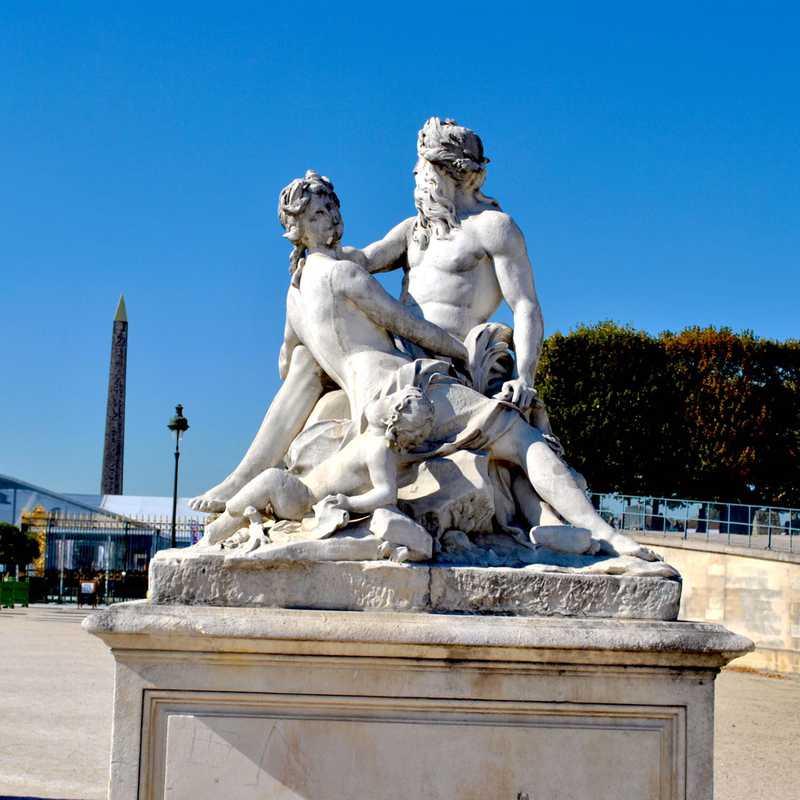 Place / Tourist Attraction: Tuileries Garden (Paris, France)