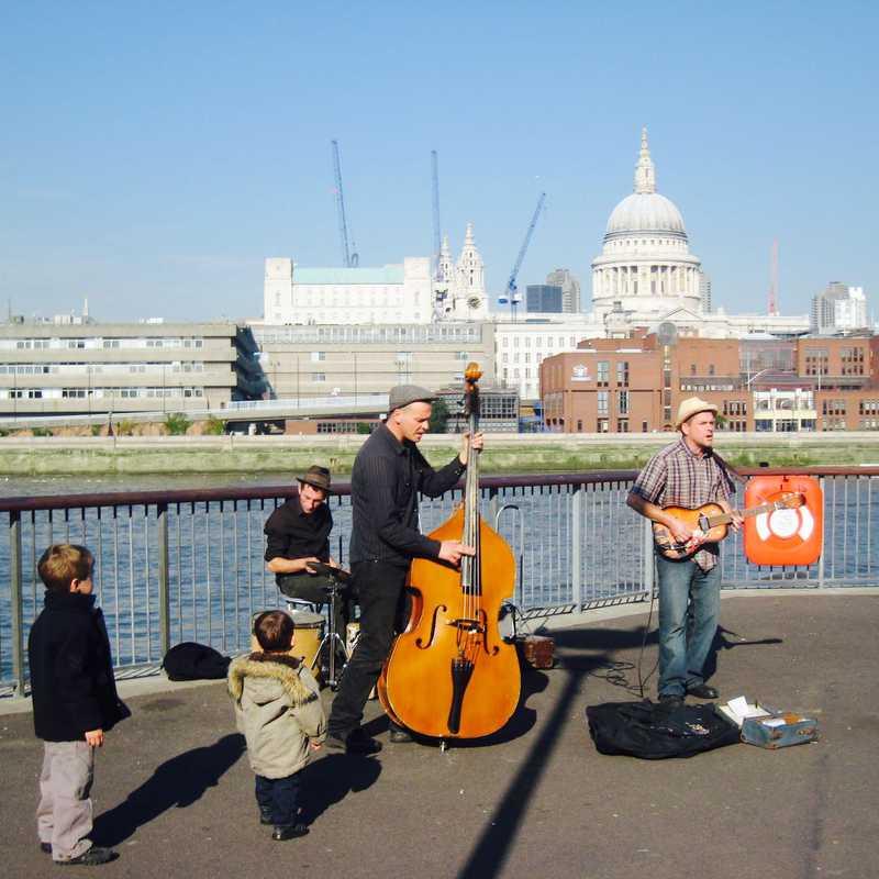 Walk Along River Thames