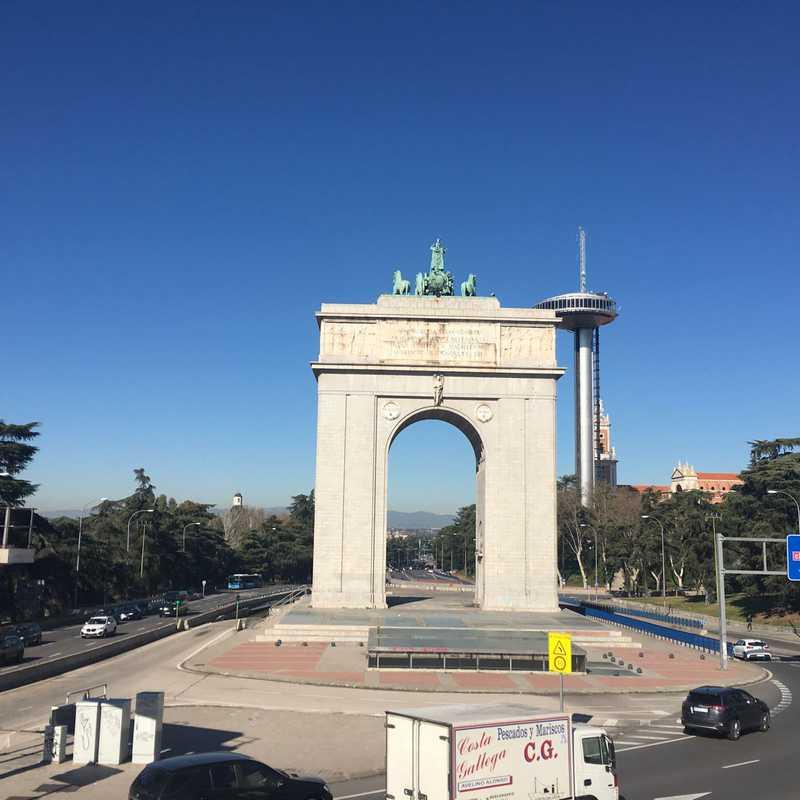 Arcos De Moncloa