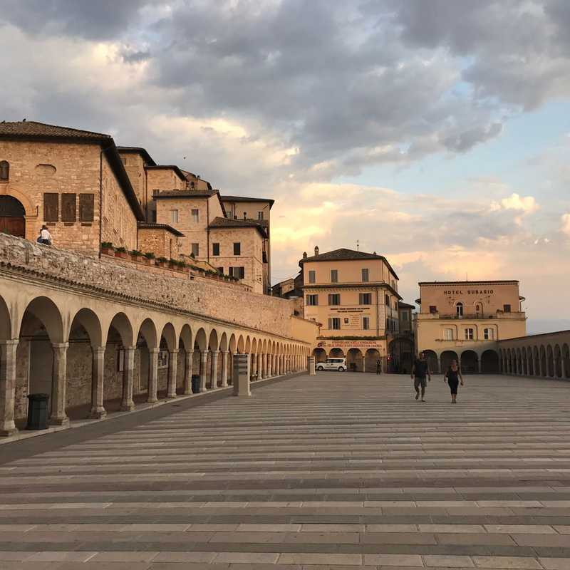 Trip Blog Post by @neneontheroad: Italy, Umbria 🇮🇹 2021 | 5 days in Aug (itinerary, map & gallery)