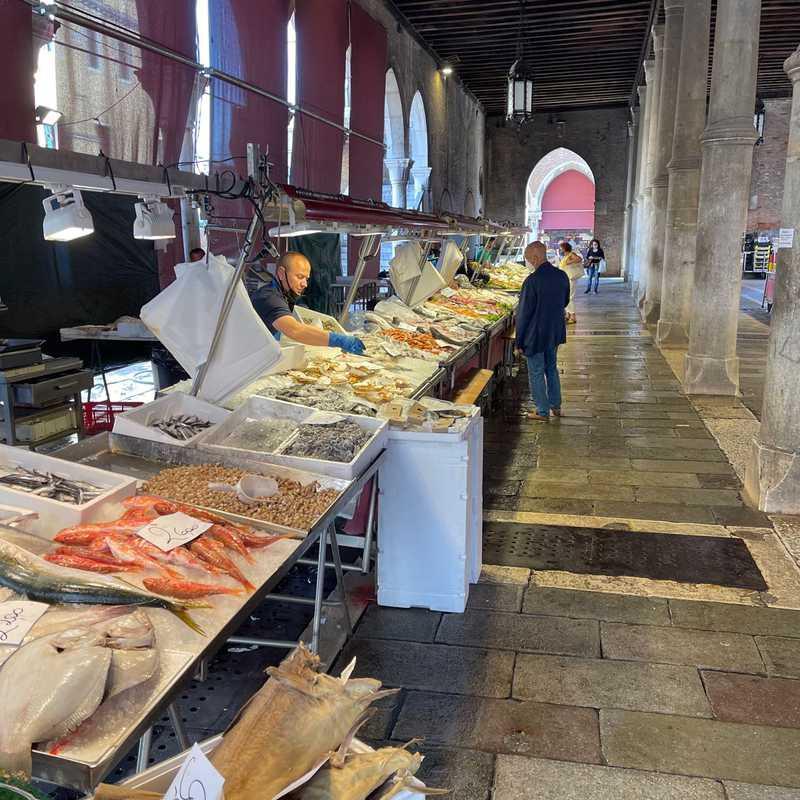 Mercato del pesce al minuto