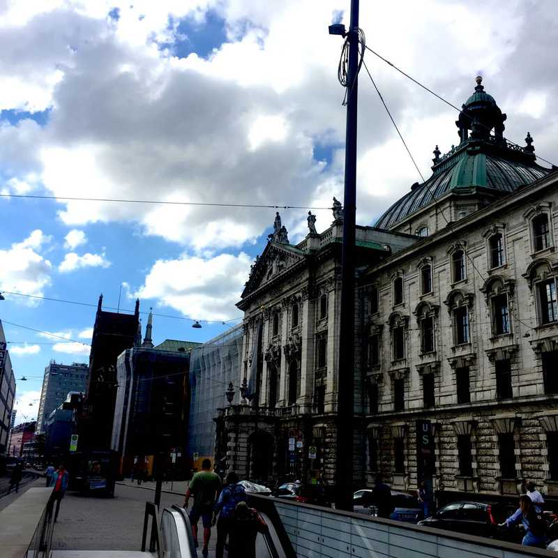 Karlsplatz (Stachus)