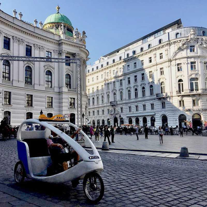 Place / Tourist Attraction: The Hofburg (Vienna, Austria)