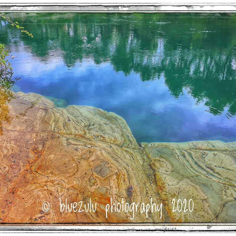 Huka river walk.