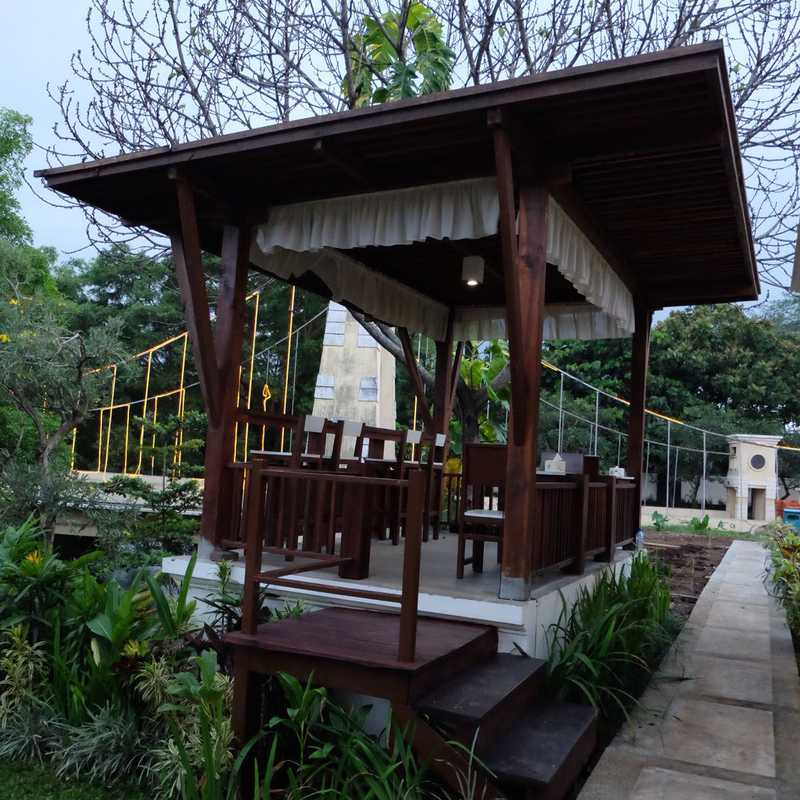 Bataputi Cafe