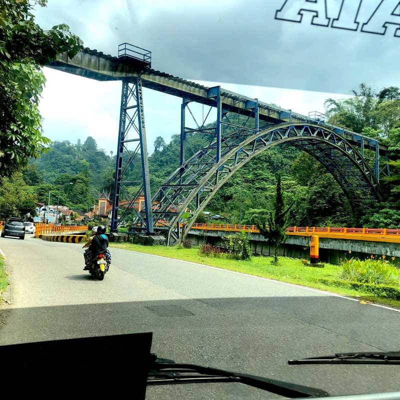 Jembatan Kamba