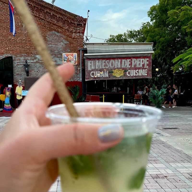 El Meson De Pepe's Restaurant & Bar