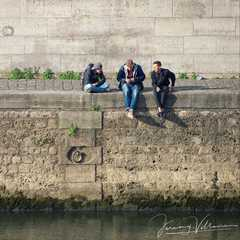Hanging by the Seine