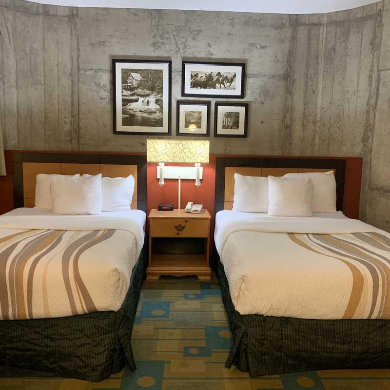 La Quinta Inn & Suites by Wyndham Irvine Spectrum