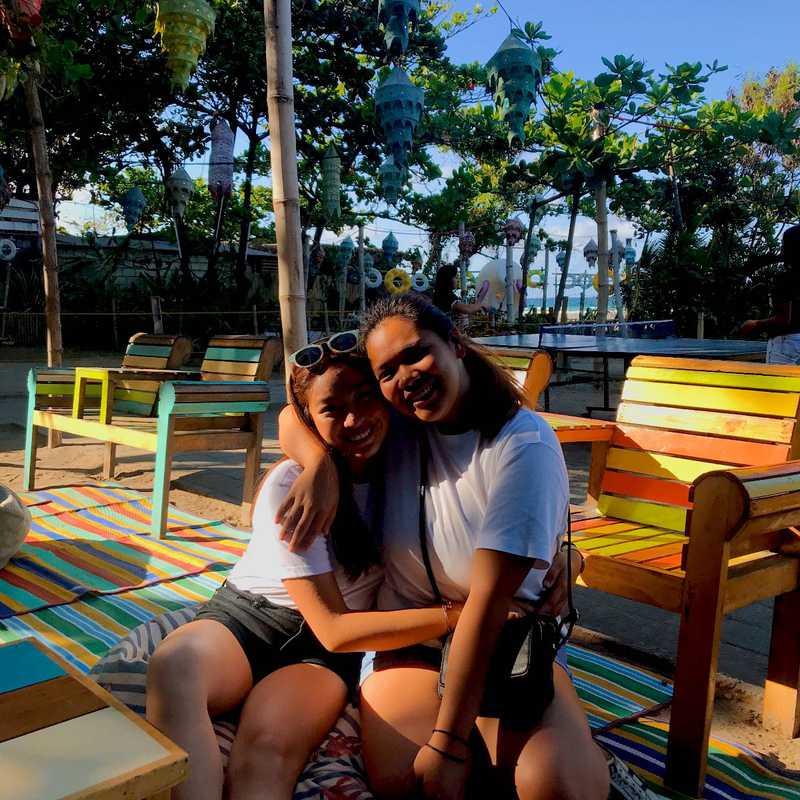 Flotsam & Jetsam Artist Beach Hostel